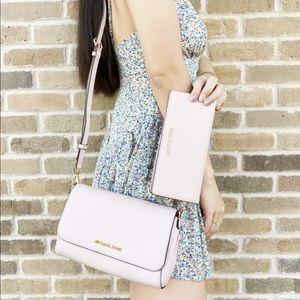 SALE‼️ BUNDLE Michael Kors Crossbody wallet pink